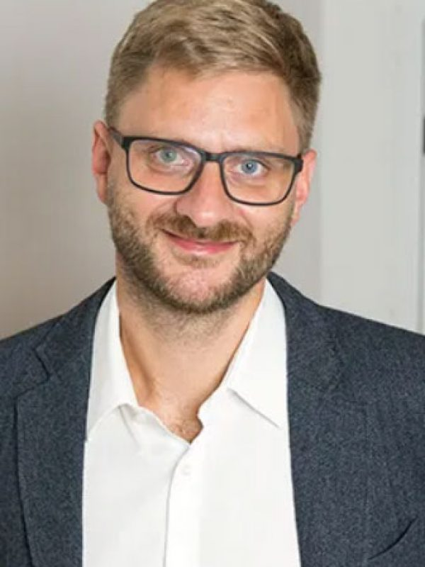 Oliver Wolf Dozent